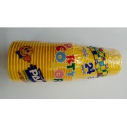 Vasos plásticos amarillos
