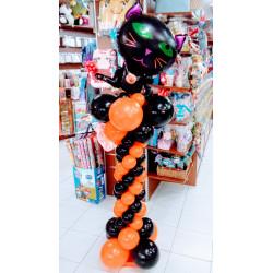 Columna halloween con gato negro
