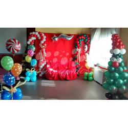 Decoración navideña para entrega de regalos