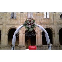 Arreglo floral grande para arcadas o puertas